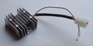 REGULATOR/RECTIFIER Z650/750